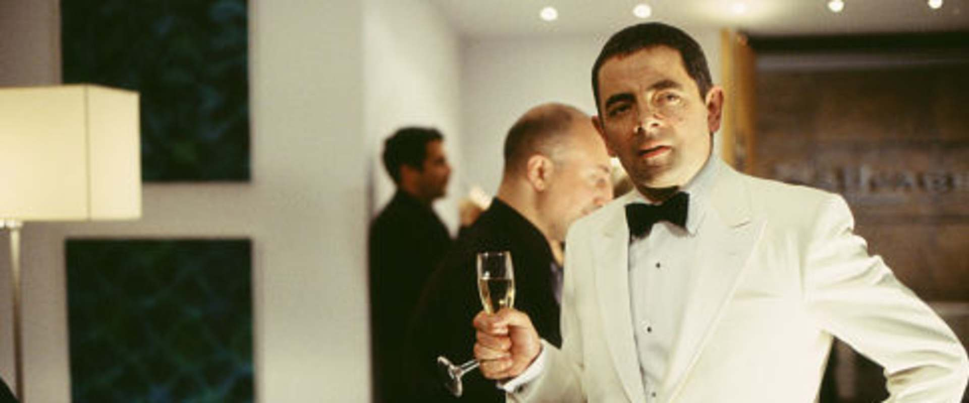 Johnny English background 2