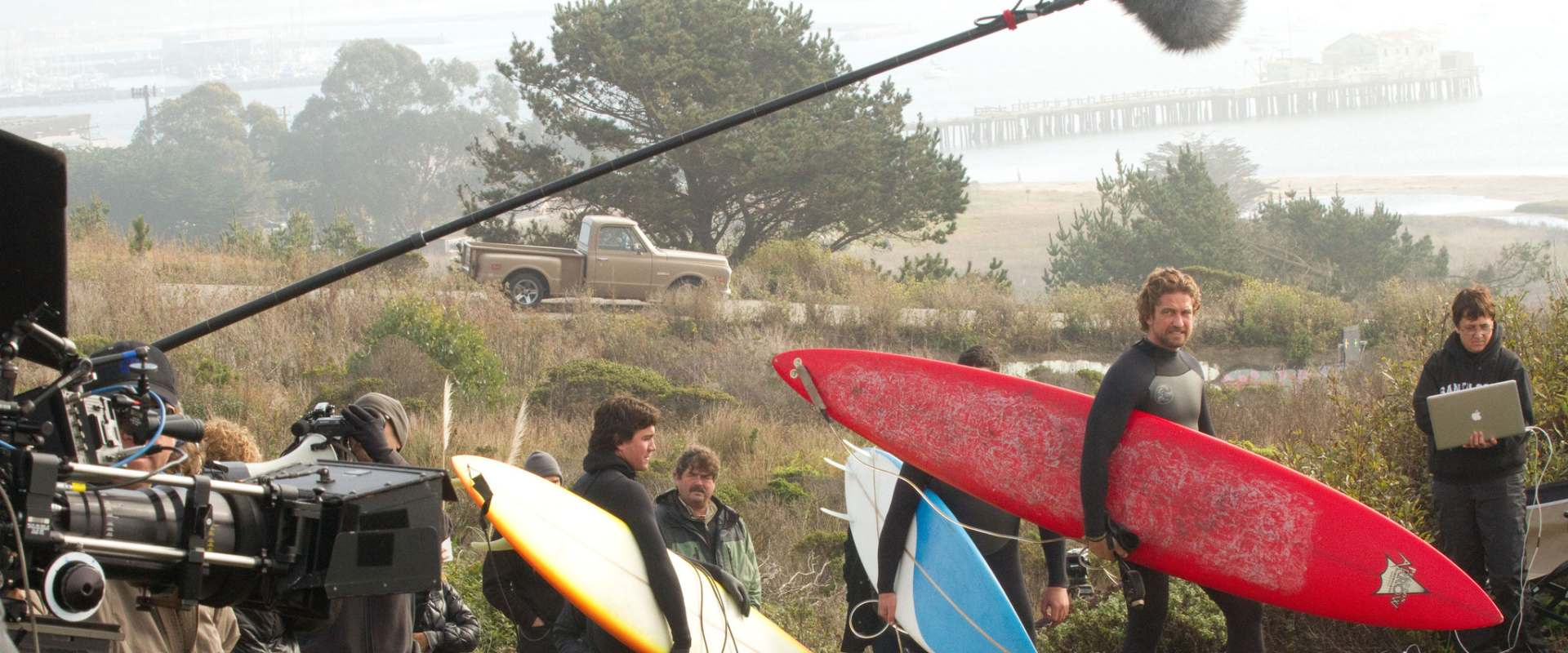 Chasing Mavericks background 1