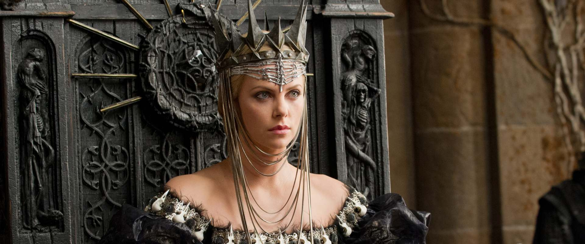Snow White and the Huntsman background 1