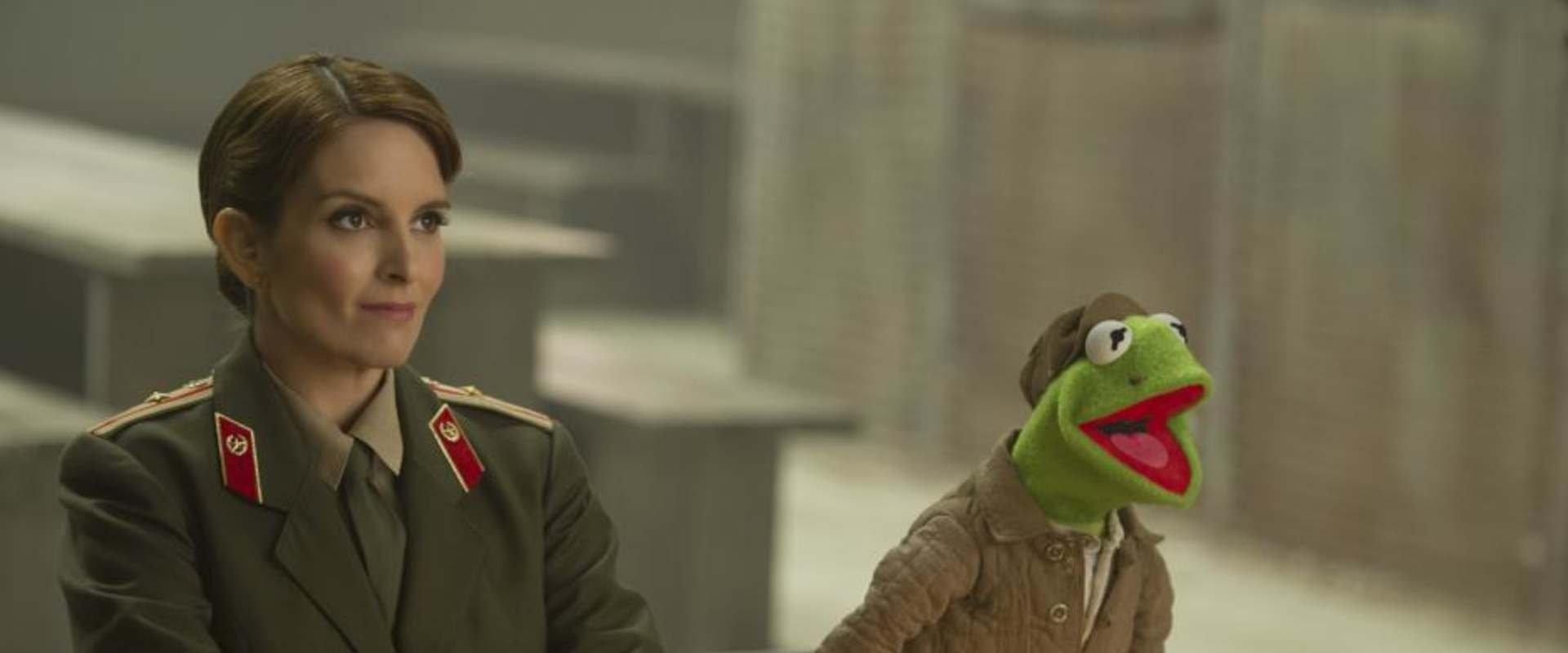 Muppets Most Wanted background 1