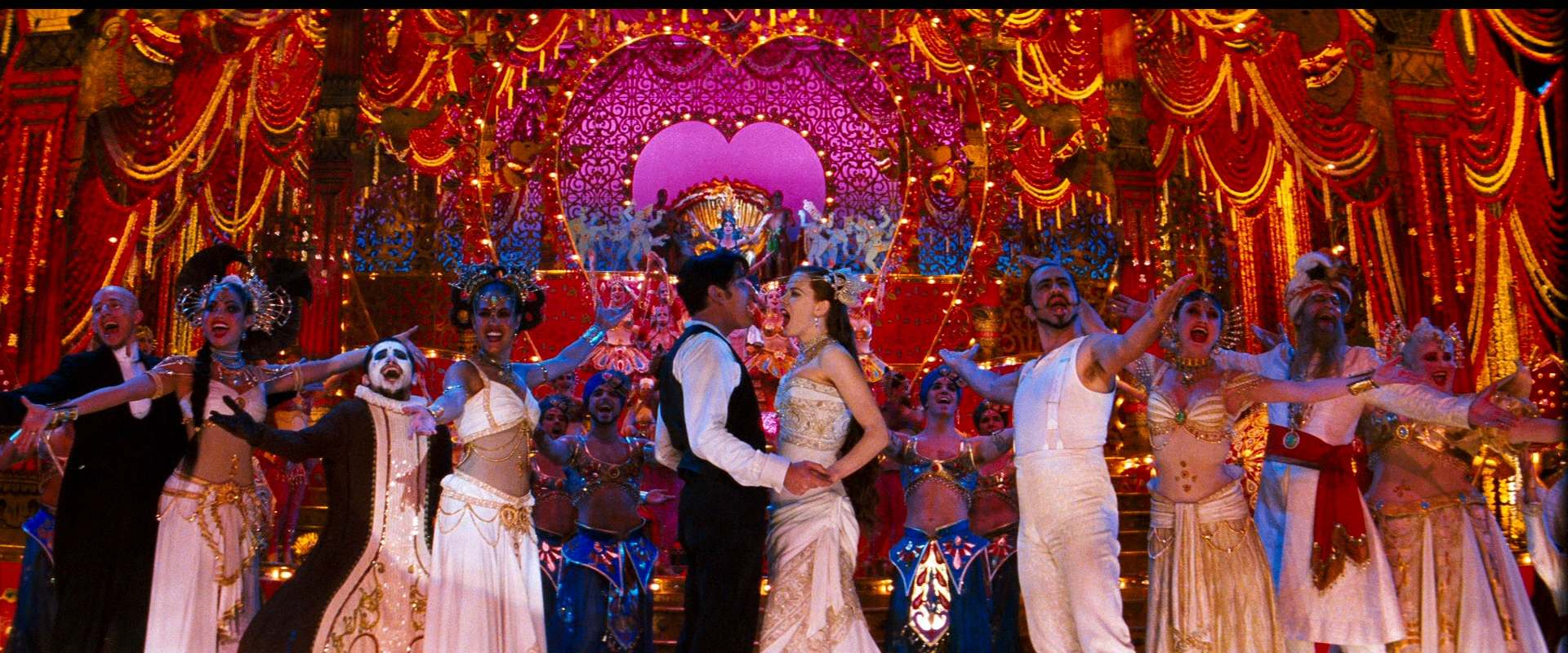 Moulin Rouge! background 2