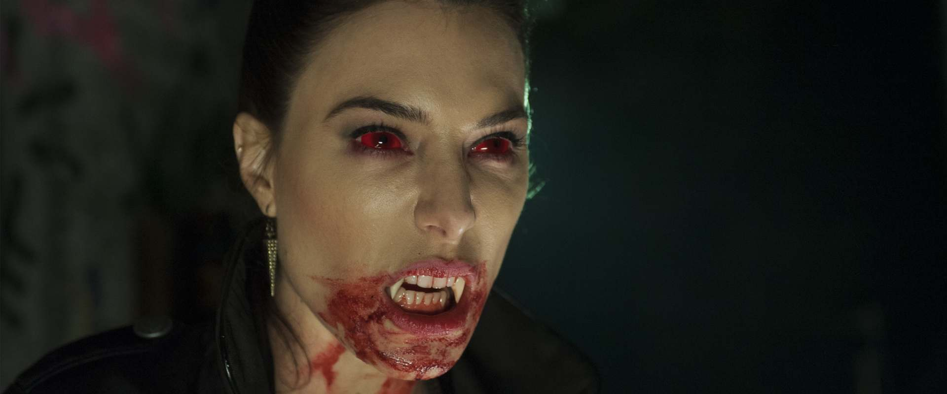 Fright Night 2: New Blood background 2
