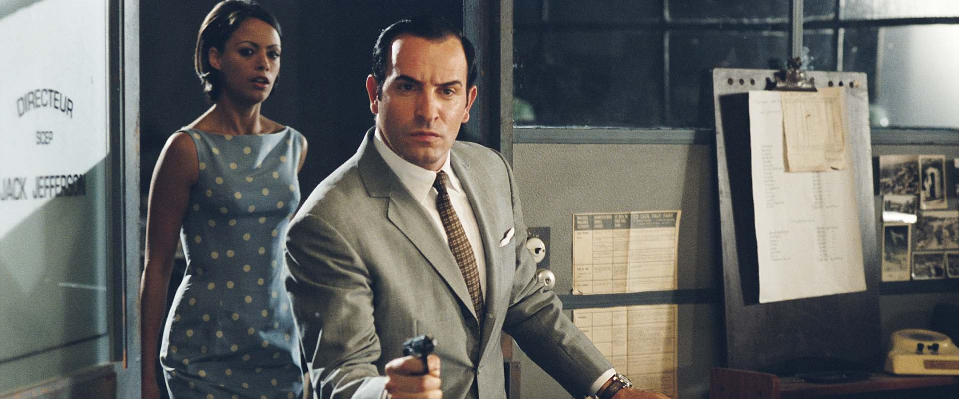 OSS 117: Cairo, Nest of Spies background 2