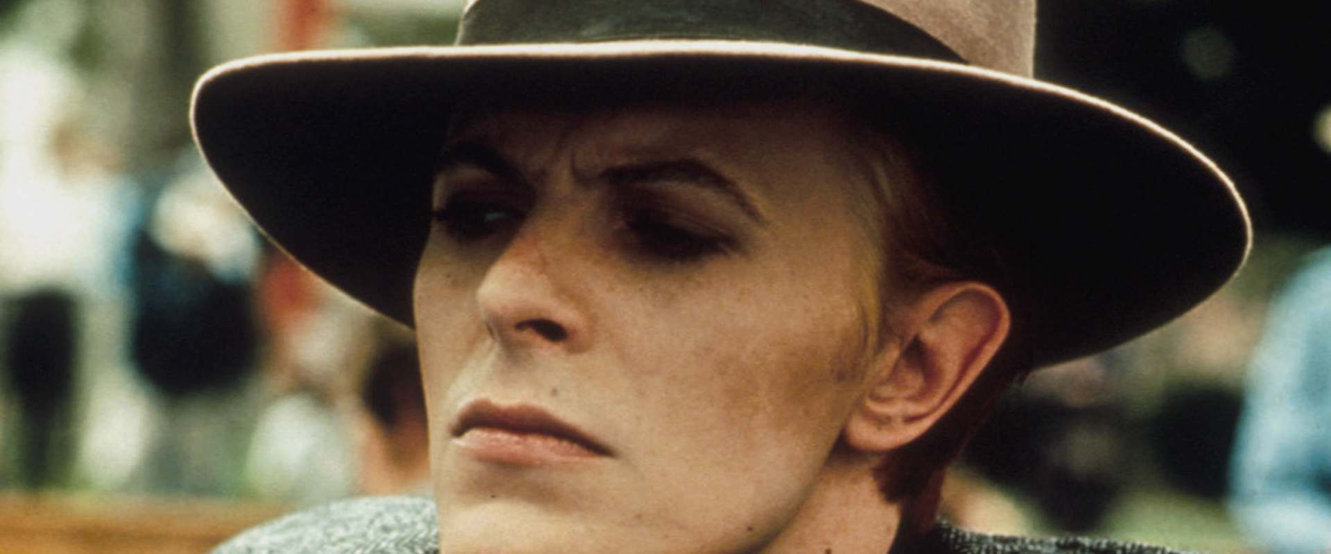 The Man Who Fell to Earth background 1