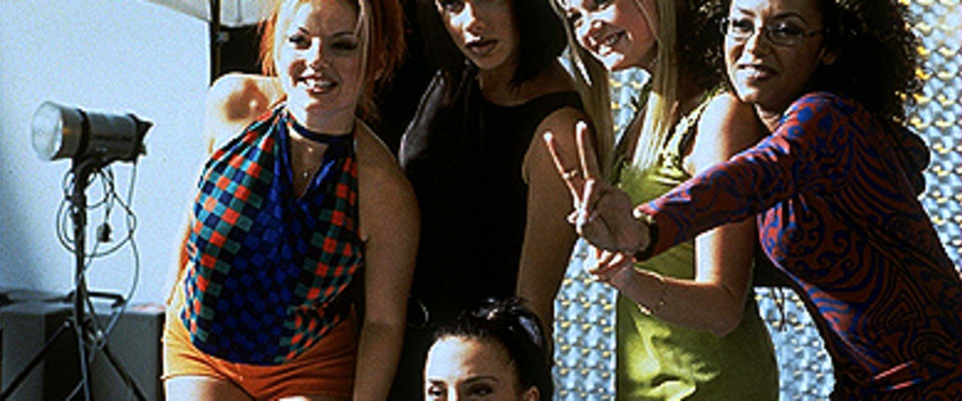 Spice World - The Movie background 1